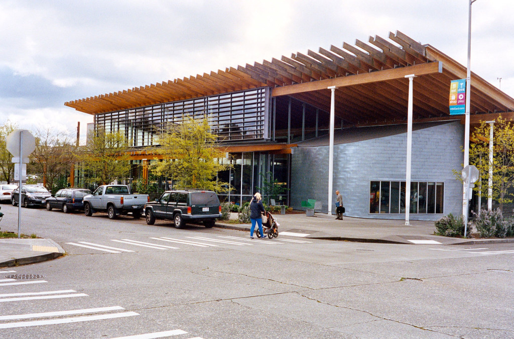 Ballard Public Library by Bohlin Cywinski Jackson (photo: Dennis Bratland / Wikimedia Commons)